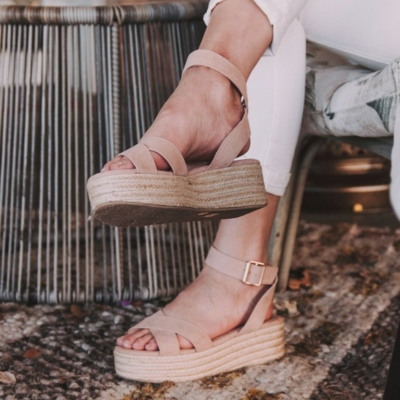 7ed9f97b0a2 Chinese Laundry Shoes - Chinese Laundry Zala Flatform Sandals